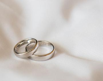 2021年6月12日結婚式をします。